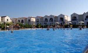 relax in piscina al Blumare Club Village a Otranto