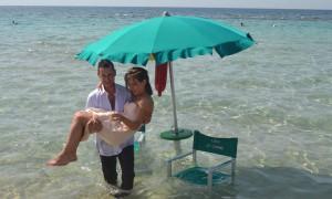 Matrimonio Spiaggia Gallipoli : Sembra un sogno invece è un matrimonio sulla spiaggia di padula