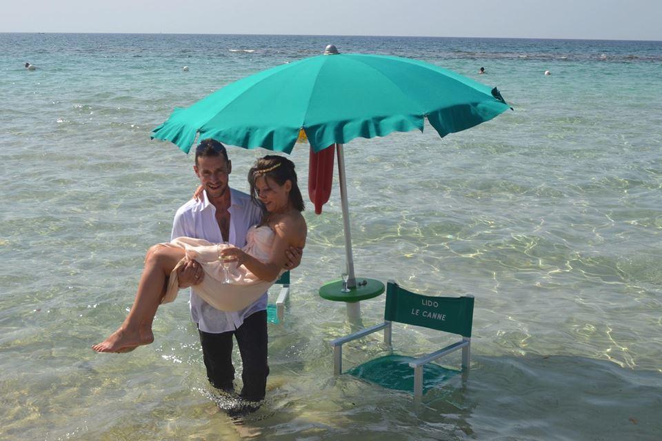 Matrimonio Spiaggia Gallipoli : Sembra un sogno invece è matrimonio sulla spiaggia di