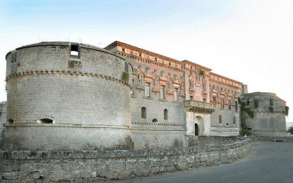 Il Castello di Corigliano d'Otranto da visitare in un'escursione guidata della Grecia salentina