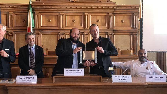 """l'US Lecce premiata dalla Provincia di Lecce: Marketing del Territorio e grazie perchè """"ci avete regalato un sogno"""""""