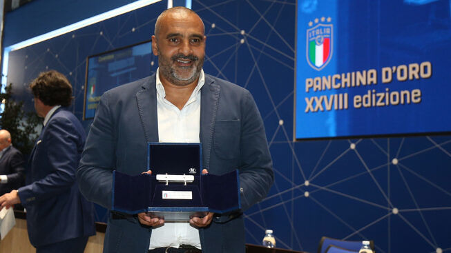 """Fabio Liverani vince la Panchina d'argento 2018/2019: """"Questo premio lo dedico alla Società e ai leccesi"""""""