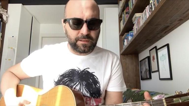 """La canzone di Giuliano Sangiorgi dei Negramaro: """"Restiamo a casa"""""""