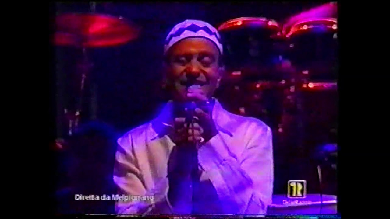 """NABIL dei Radiodervish canta """"Lu rusciu de lu mare"""" alla Notte della Taranta 2003"""