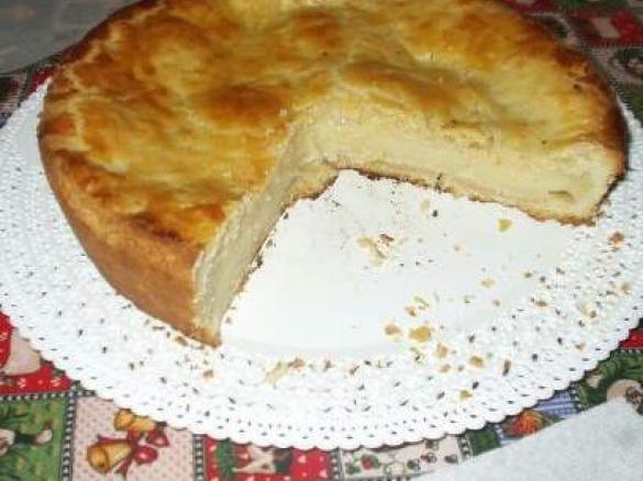 la prepazione della torta pasticciotto, una delizia salentina