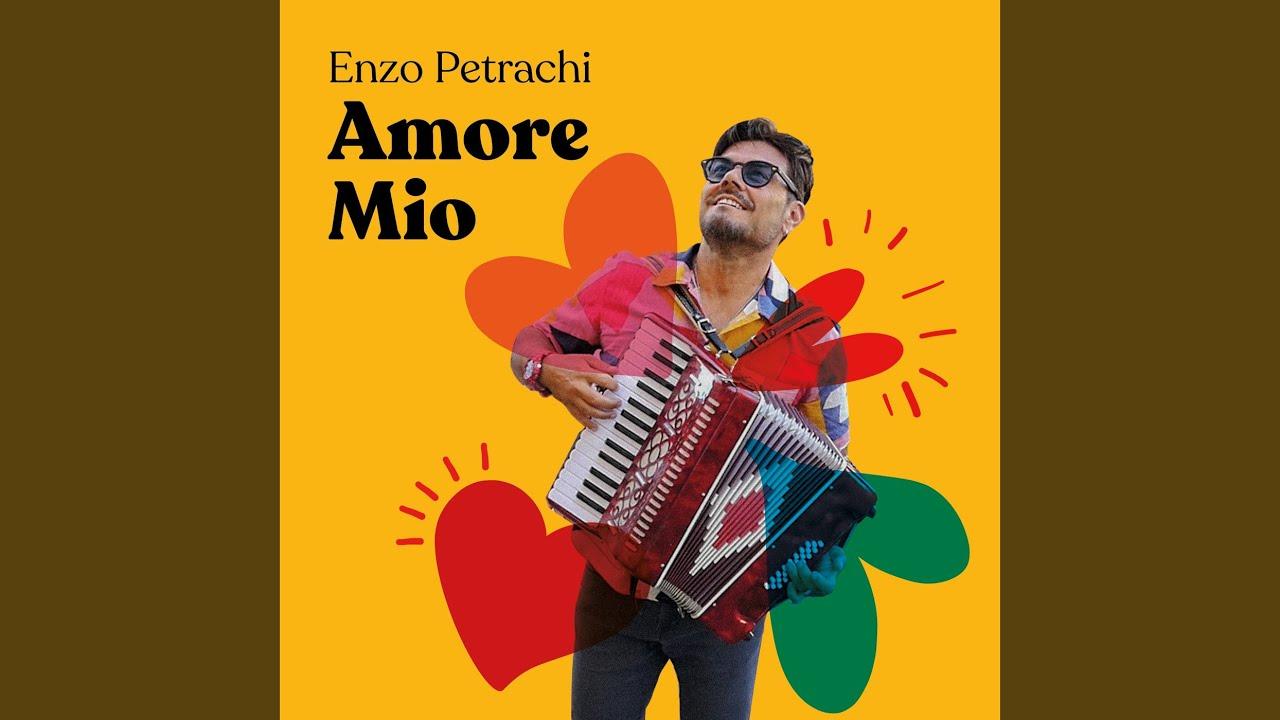 """Enzo Petrachi canta """"Amore Mio"""""""