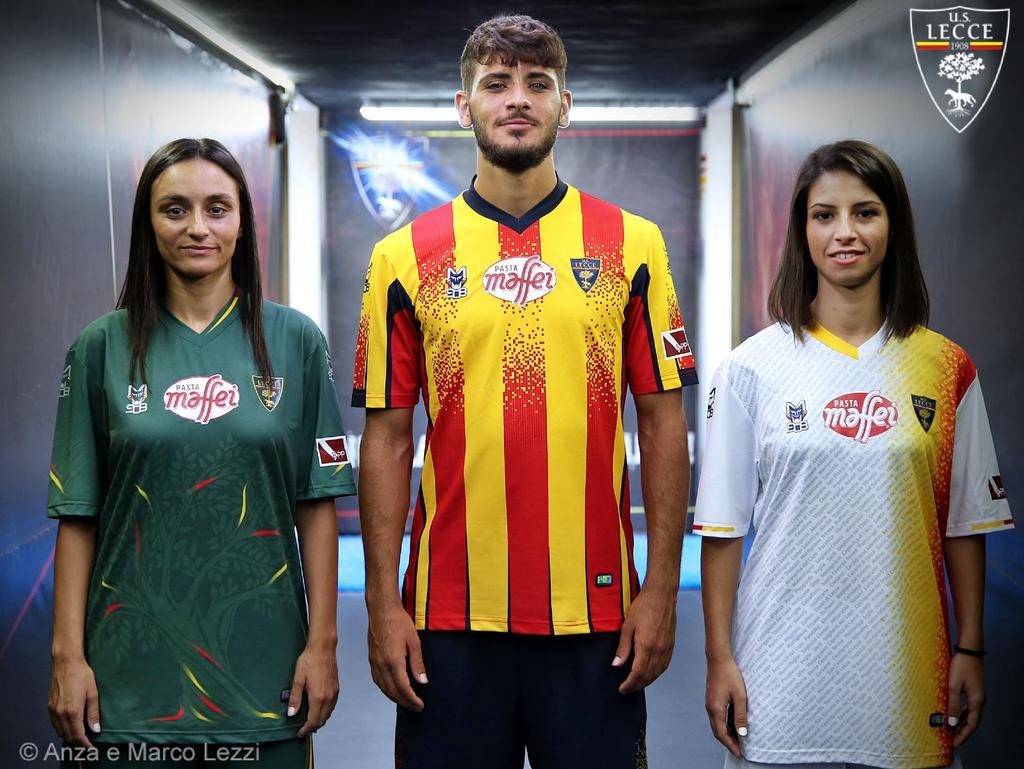 le nuove maglie del Lecce nella stagione 2020 - 2021